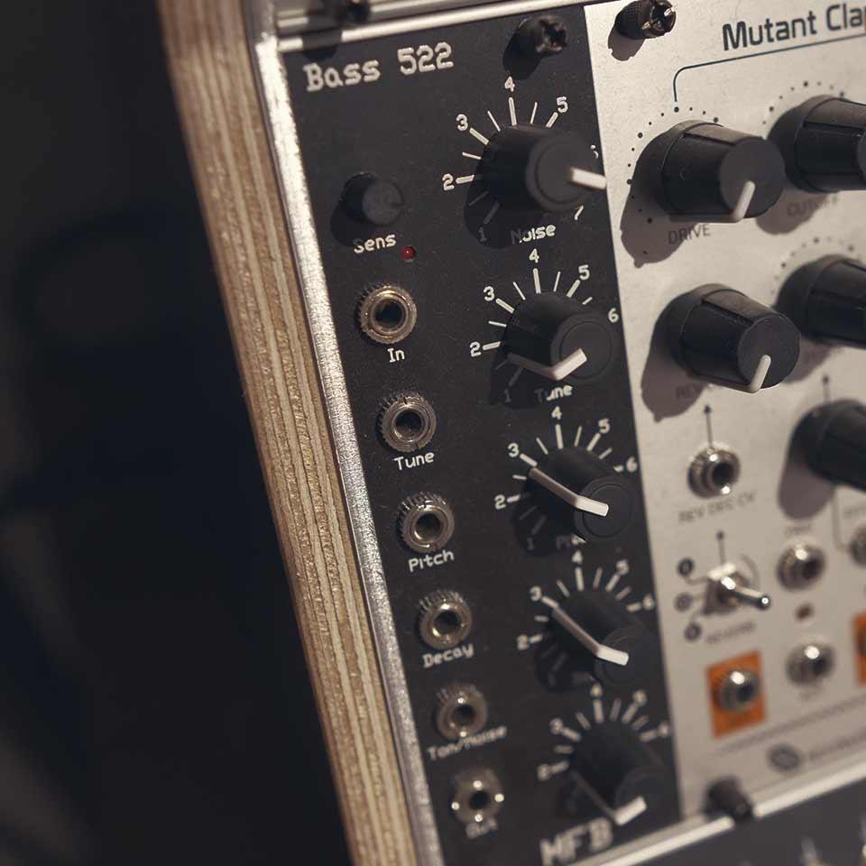 093 AT Pure Kick - MFB Bass 522 F